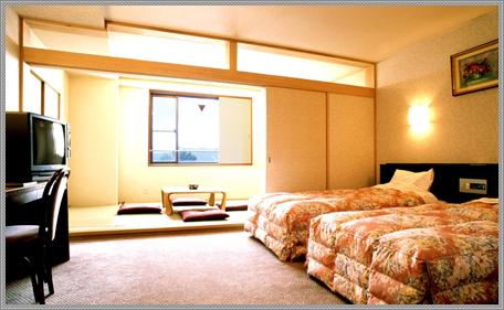 和洋室と信州の風景