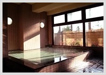 信州の趣きある大浴場